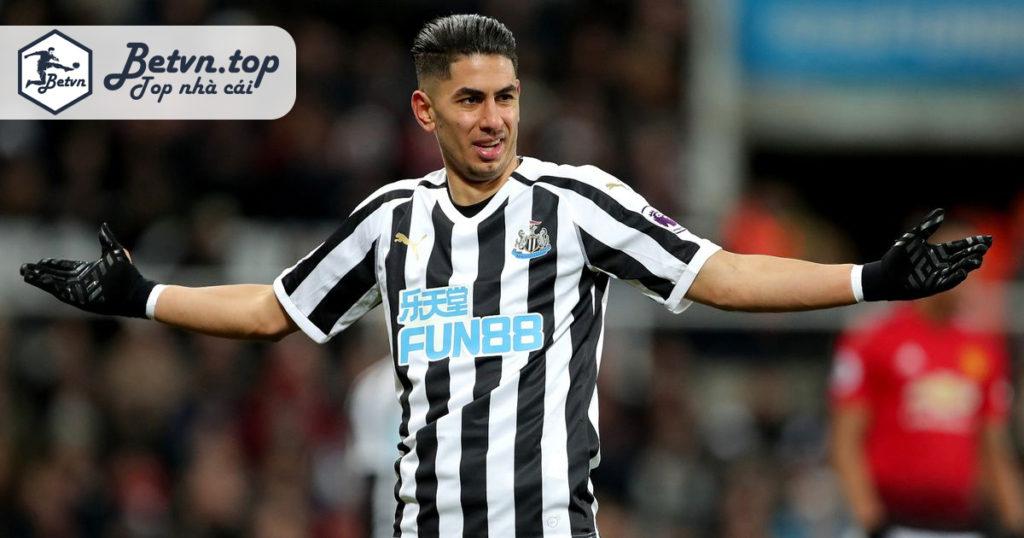 Cá cược bóng đá uy tính tại Fun88 tài trợ đội bóng Newcastle đang thi đấu tại Ngoại hạng Anh